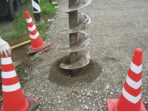 建柱穴掘り作業1