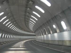 トンネル 証明